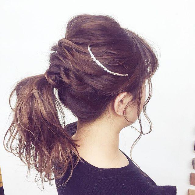*スタッフおすすめ#ヘアアクセサリー ♡*シンプルなヘアスタイルにプラスするだけでグッとオシャレに♡*#クレセントコーム¥1728*hair:chiemodel:yoco*#rhair#rhairaterie#美容室#美容師#福岡#薬院#ヘアアレンジ#ヘアセット#大人アレンジ