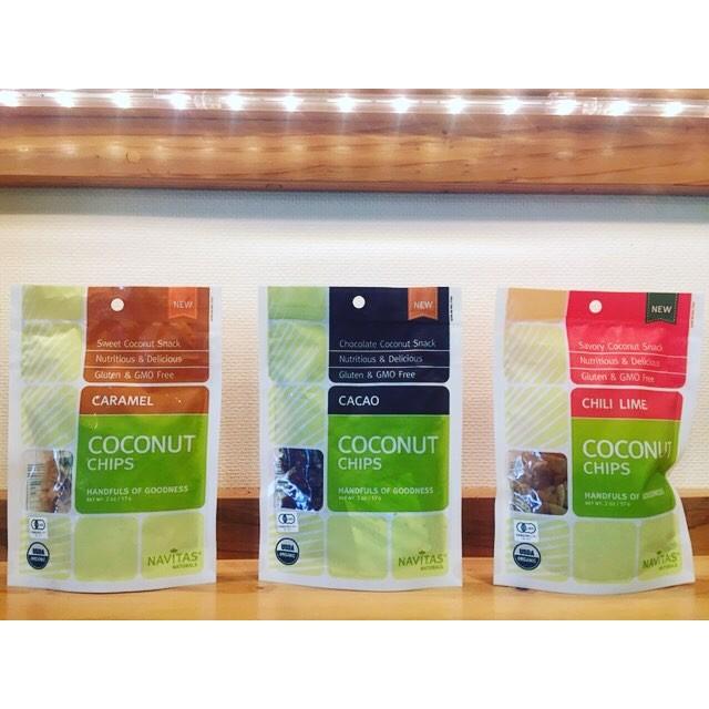 以前紹介しましたスーパーフードに新たな商品を入荷しましたので紹介します^ ^COCONUT CHIPS(カカオ&キャラメル&チリ、ライム)57g/960yen+tax (20%off)**ココナッツを低温でローストし風味や栄養素をそのままチップスにした商品です。*ココナッツチップスにはミネラルや食物繊維が豊富でスナック感覚で手軽に栄養補給できます。**通常のスナックよりもエレルギー転換が早く、脂肪として蓄積されにくいので小腹が空いた時やおやつに最適です♡**只今サマーセール中で対象商品が20%オフなので是非この機会にスーパーフードデビューしてみてはいかがですか??***#rhair#rhairatelier#福岡#福岡美容室#薬院#薬院美容室#オーガニック#スーパーフード#superfood#navitas#navitasnaturals #ココナッツチップス#coconutchips