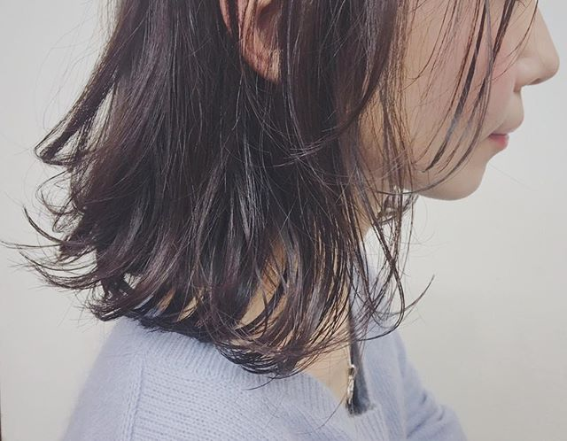 **サンドベージュとシダーで、、、柔らかなくすみベージュ♡***hair...chie@r.hair.chie**#r#rhair#福岡美容室#薬院美容室 #福岡#薬院#美容室#美容院#ヘアサロン#撮影#ヘアスタイル撮影#撮影モデル#ヘアスタイル#ヘアカタログ #ヘアカラー#アッシュ#ミディアム#ミディアムヘア#エッセンシティ#オーガニックカラー#オーガニック#エッセンシティオーガニックカラー #ジョンマスターオーガニック#ジョンマスター#johnmastersorganics #オーガニックサロン#ナチュラル#ナチュラルヘアー#vsco#vscocam