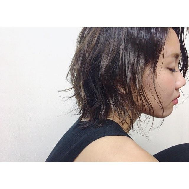 **ショートスタイルは、軽さを出してゆれる毛束の動きを楽しんで♬***hair...chie@r.hair.chie**#r#rhair#福岡美容室#薬院美容室 #福岡#薬院#美容室#美容院#ヘアサロン#撮影#ヘアスタイル撮影#撮影モデル #ヘアスタイル#ヘアカタログ #ショートヘア#エッセンシティ#オーガニック#ジョンマスターオーガニック#ジョンマスター#johnmastersorganics #ナチュラル#ファッション#fashion#ootd#instagood#instapic#vsco#vscocam#instagood#instahair