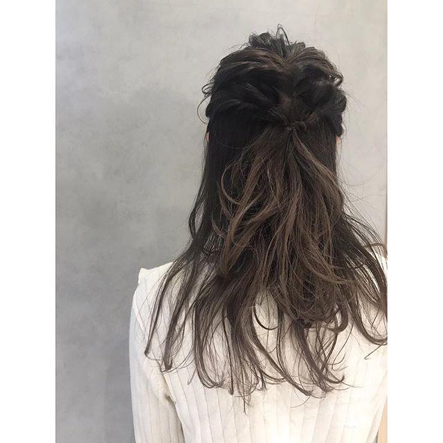 ...ハーフアップアレンジ︎.編み込み×くるりんぱで簡単可愛く︎...hair arrange... @r___yooco712...#yooco_hair#yokohairarrange#hair#make#hairarrange#hairset#ヘアメイク#ヘアアレンジ#ヘアセット #福岡美容室#薬院美容室 #福岡#薬院#美容室#美容院#ヘアサロン#撮影#ヘアスタイル撮影#撮影モデル #ヘアスタイル#ヘアカタログ #ロングヘア#オーガニック#ナチュラル#ファッション#fashion#ootd#instapic#instagood#instahair