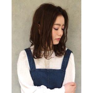 …肩ラインのボブスタイル︎ゆるいウェーブは、ヘアビューロン2Dplusでツヤカールをつけてスタイリング!.毎日巻いても痛まずに髪がツヤツヤになります♡..巻くのが苦手な方は、パーマをかけてスタイリングも◎.その方のライフスタイルに合わせてご提案させて頂きます!..hair…chie@r.hair.chiemake…yuka@r.hair_yuka …#rhair#makeup #福岡美容室#薬院美容室 #福岡#薬院#美容室#美容院#ヘアサロン#撮影#ヘアスタイル撮影#撮影モデル #ヘアスタイル#ヘアカタログ #ミディアムヘア#エッセンシティ#オーガニック#ナチュラル#ジョンマスターオーガニック#organic#natural#ファッション#fashion#ootd#instagood#instapic#vsco#vscocam#instahair